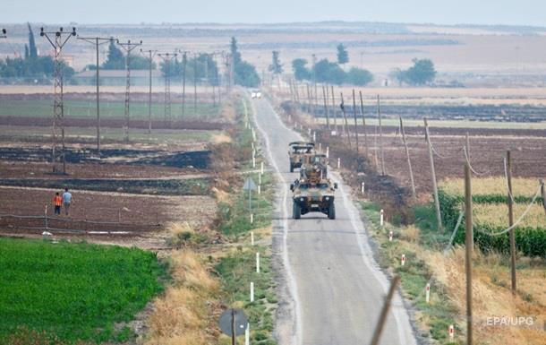 СМИ: Турция строит стену на границе c Сирией