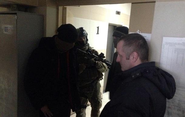 Співробітники правоохоронних органів проводять обшук укиївському офісі УНЛ