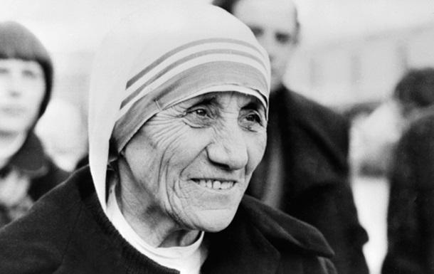 Папа Франциск признал совершение чуда матерью Терезой
