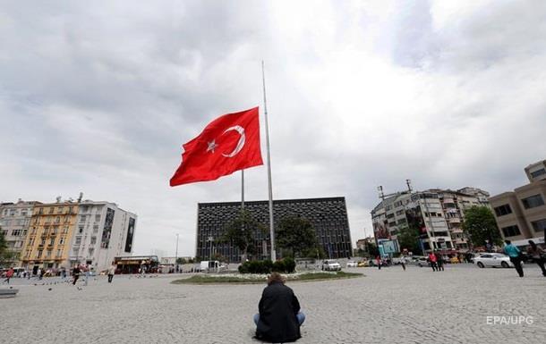 Турция вводит въездные визы для сирийцев