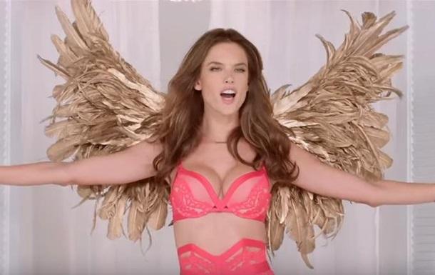 Ангелы  Victoria's Secret показали рождественский клип