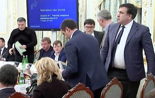 Криза в Україні. Порошенко на пів ставки підробляє піар-менеджером Саакашвілі.