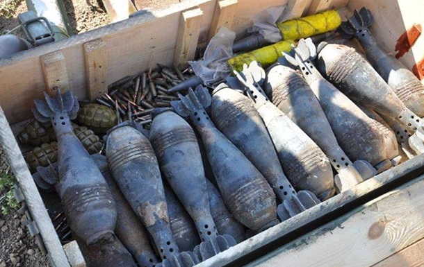 Саперы уничтожили около ста мин под Мариуполем