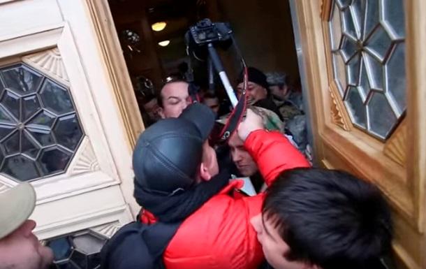 Нардеп Соболев угрожал гранатой охране Рады
