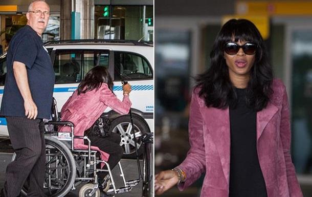 Наоми Кэмпбелл передвигается в инвалидной коляске
