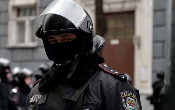 В киевскую полицию взяли шесть экс-беркутовцев