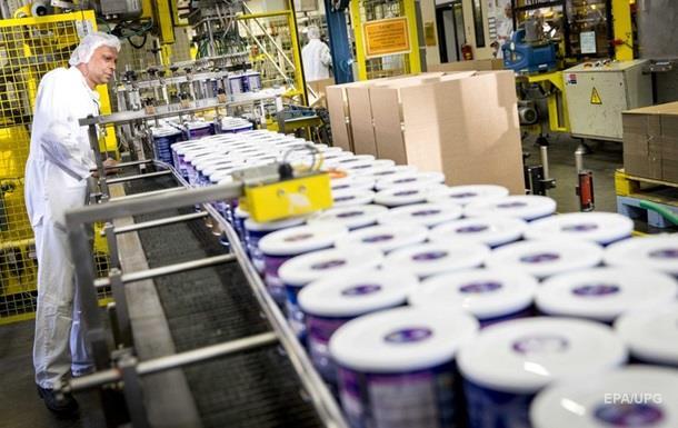 Французский производитель молока закрывает заводы в России