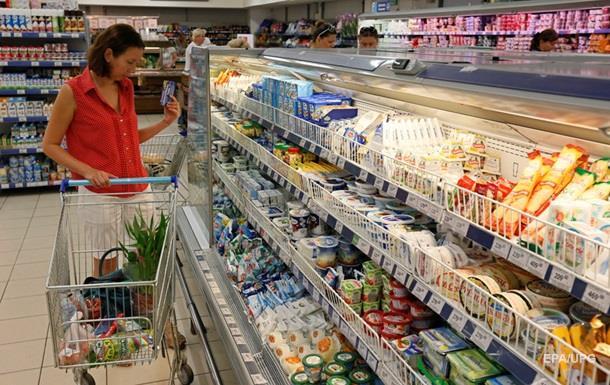 Казахстан ограничил ввоз продуктов из Украины и РФ