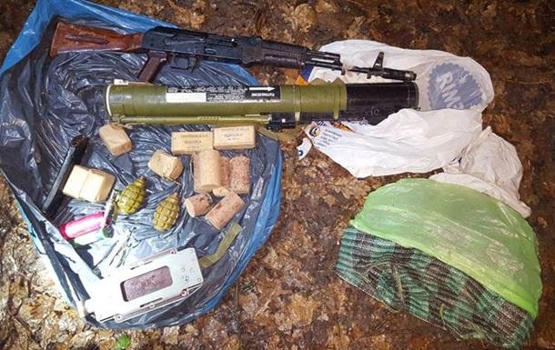 Член  Харьковских партизан  сдался СБУ и показал тайник с оружием