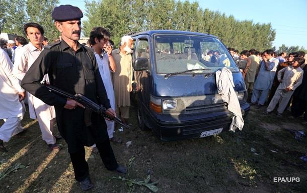 Теракт в Пакистане: 12 жертв, более 30 раненых