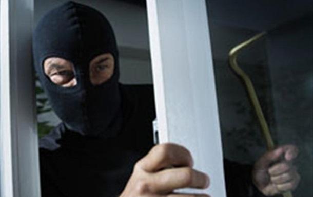 В Сумской области неизвестные в масках ограбили предпринимателя