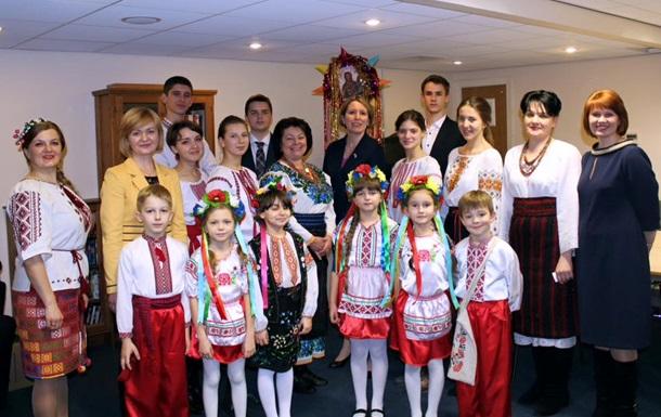 Посол Британии пожелала украинцам мирного нового года
