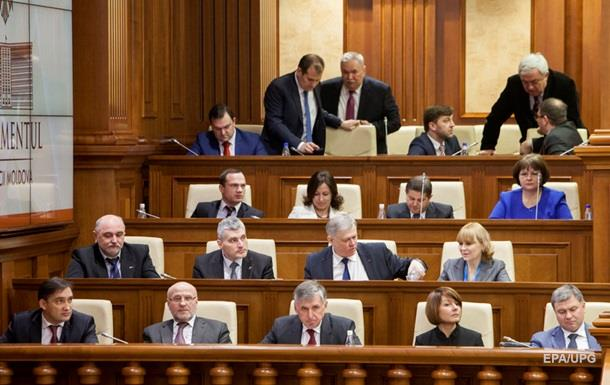 Парламент Молдовы бойкотировал обсуждение кандидатуры нового премьера