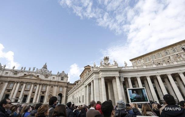 Ватикан раскритиковал карикатуру Charlie Hebdo о Боге