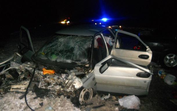 Под Киевом в аварии травмированы трое детей, погибла женщина