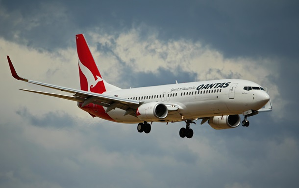 самолет Qantas