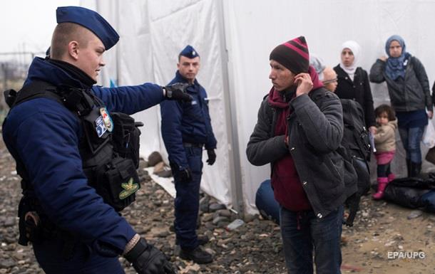 Немецкая полиция отсылает беженцев обратно в Австрию