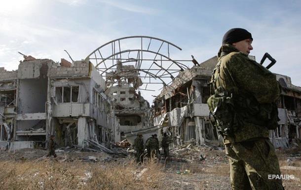 СМИ: Французские правые прибыли в аэропорт Донецка