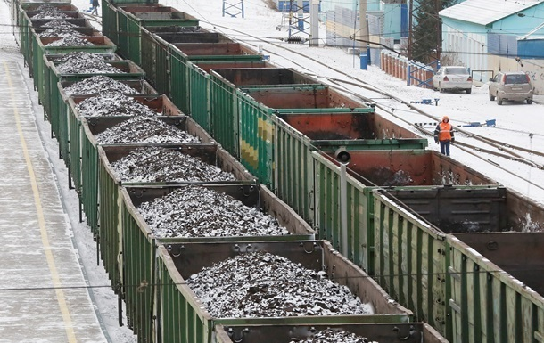 Украина снизила добычу угля на 39%