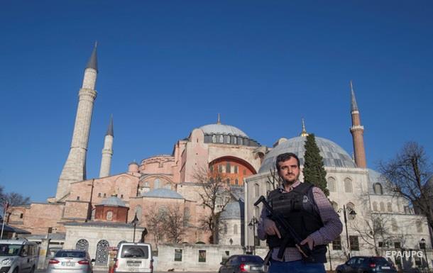 Теракт в Стамбуле: гид спасла часть туристов
