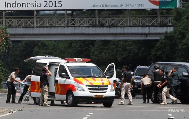 Жертвами взрывов в Джакарте стали семь человек
