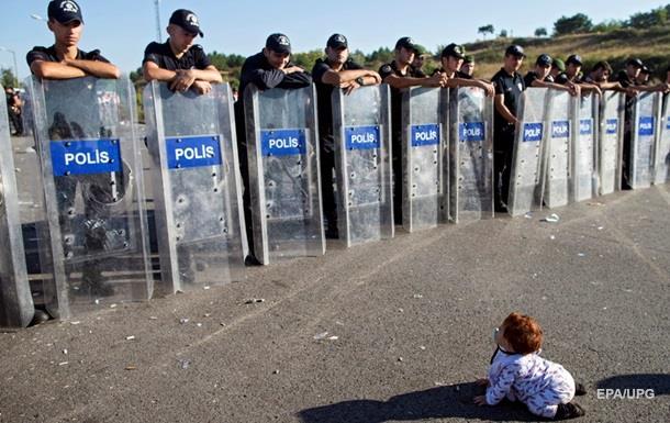 Турция депортирует сирийцев в районы боевых действий – СМИ