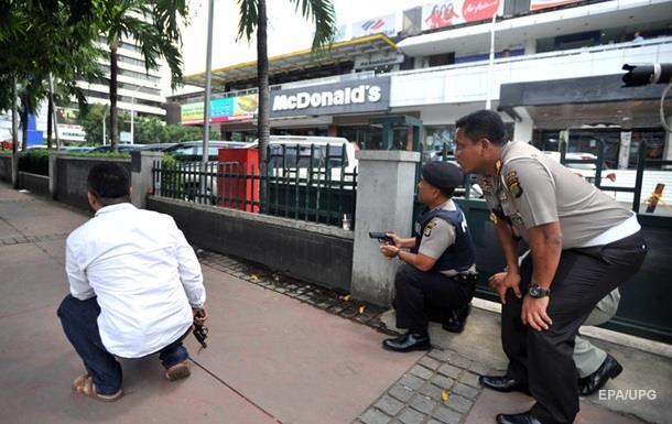 Три человека арестованы по делу о взрывах в Джакарте