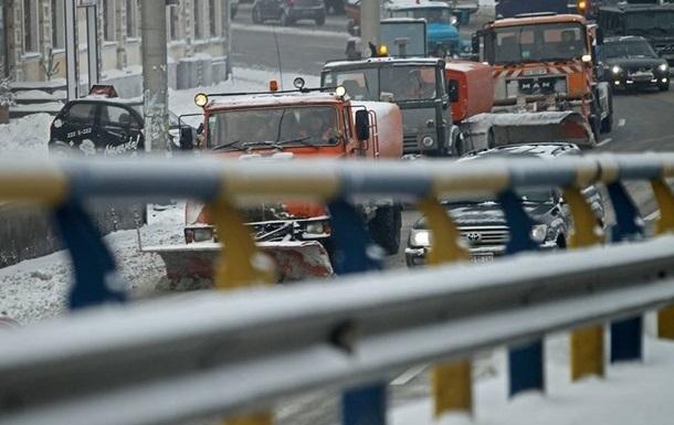 В Киев снова стали пропускать грузовики