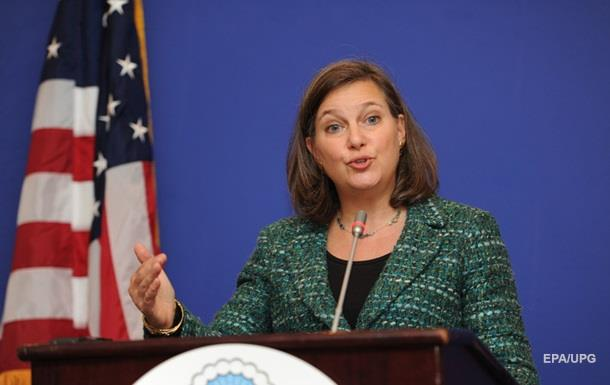 США розповіли про переговори Нуланд і Суркова