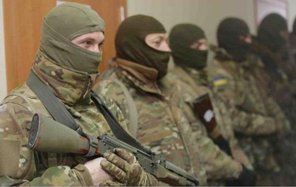 По Днепропетровску будут ездить бронегруппы