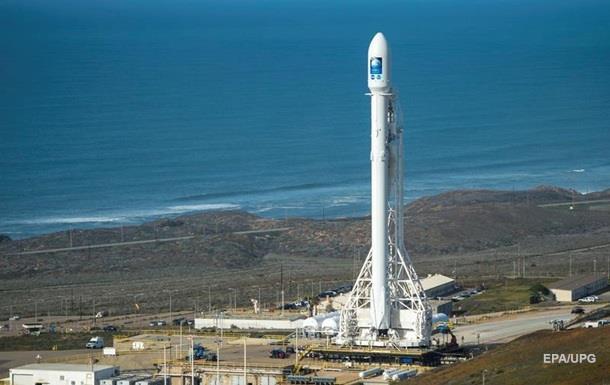 SpaceX пробует вертикально посадить ракету: онлайн