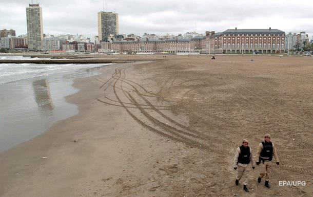 Пляжи Буэнос-Айреса закрыты из-за нашествия змей