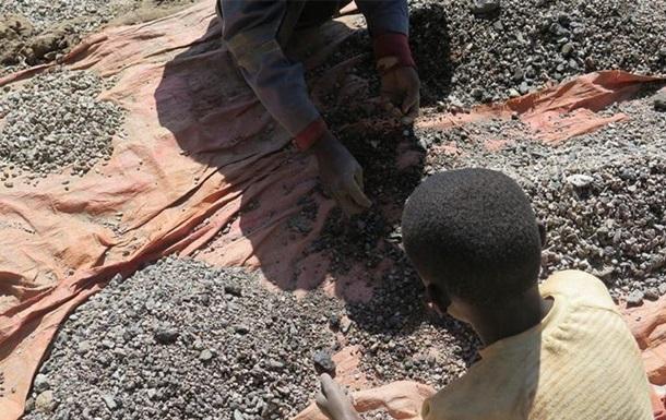 AI: Діти в Конго видобувають кобальт для смартфонів