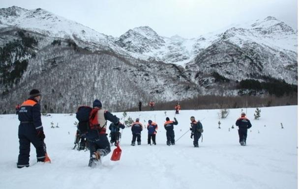 Альпіністи зОдеси потрапили під лавину вРосії