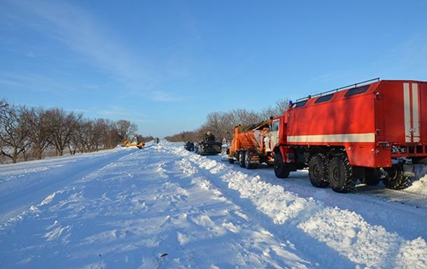 Негода в Україні: відкриті ще п ять трас