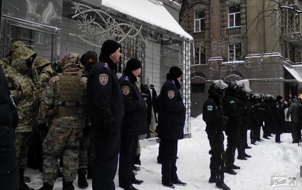 Митинг  бутиков . В Харькове при потасовке пострадали два человека
