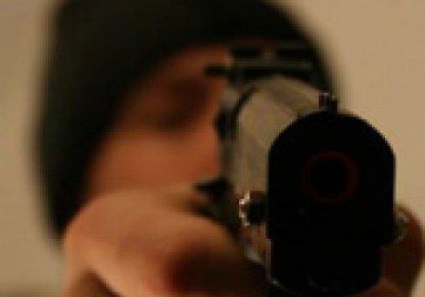 Стрілянина біля київського магазину