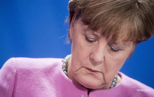 Против Меркель подали иск в конституционный суд