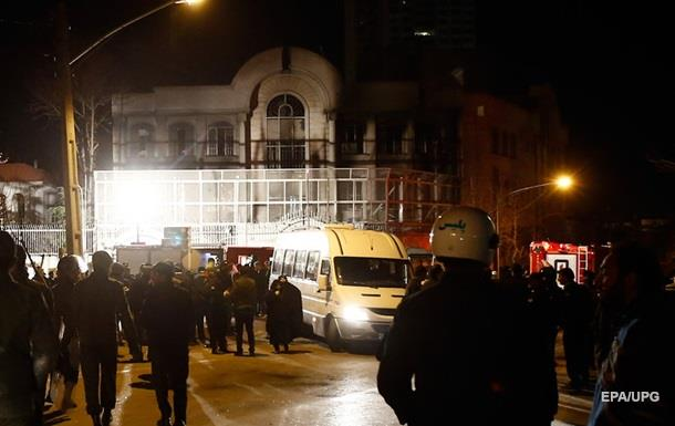 В Иране арестовали 100 человек из-за нападения на посольство