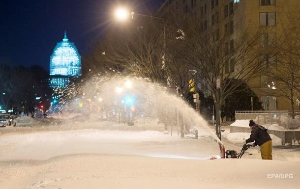 Убытки от снегопадов в США оценили в три миллиарда