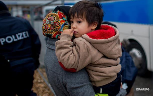 В Германии на территорию размещения беженцев бросили гранату