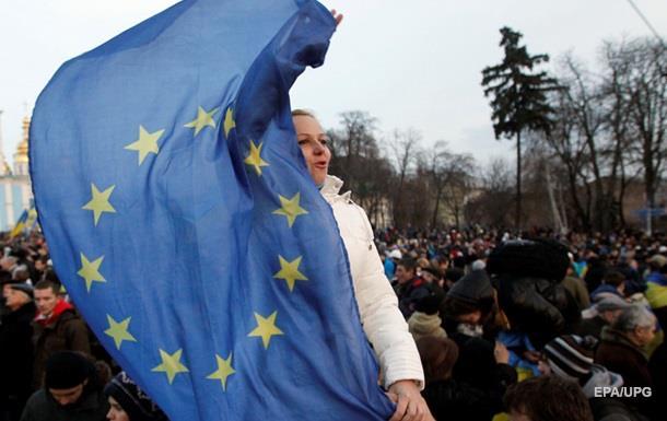 Киев ожидает отмены виз ЕС к середине года