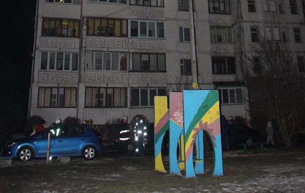 В Киеве горела высотка: погиб пожарный