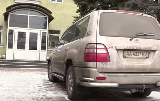 Журналист показал машину прокурора АТО