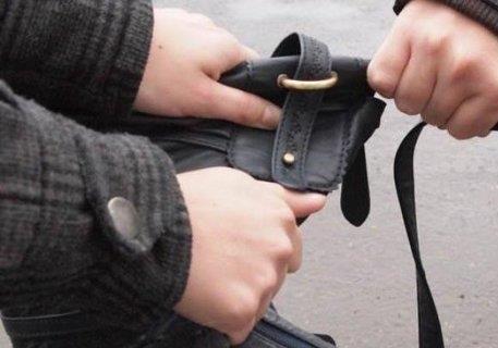 У Києві чоловіка побили за продукти харчування