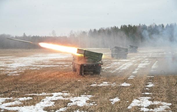 Беларусь начала учения на границе с Украиной