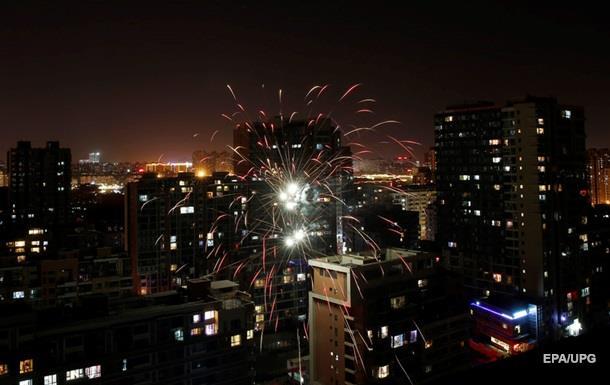 Пекин окутал смог из-за новогодних петард
