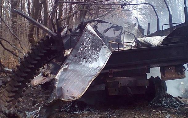 На Донбассе подорвалось авто с бойцами