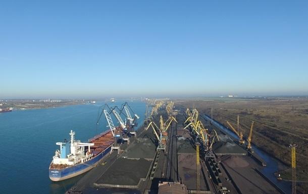 В Украину прибыла очередная партия угля из ЮАР
