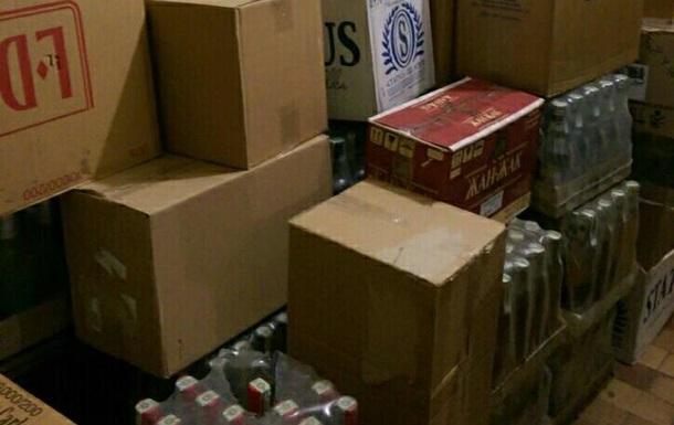 На границе с Польшей найден склад контрабандистов сигарет